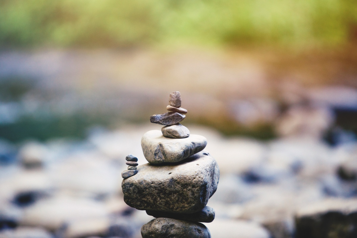 "Conversazione con una pietra, da ""Sale"", Wislawa Szymborska"