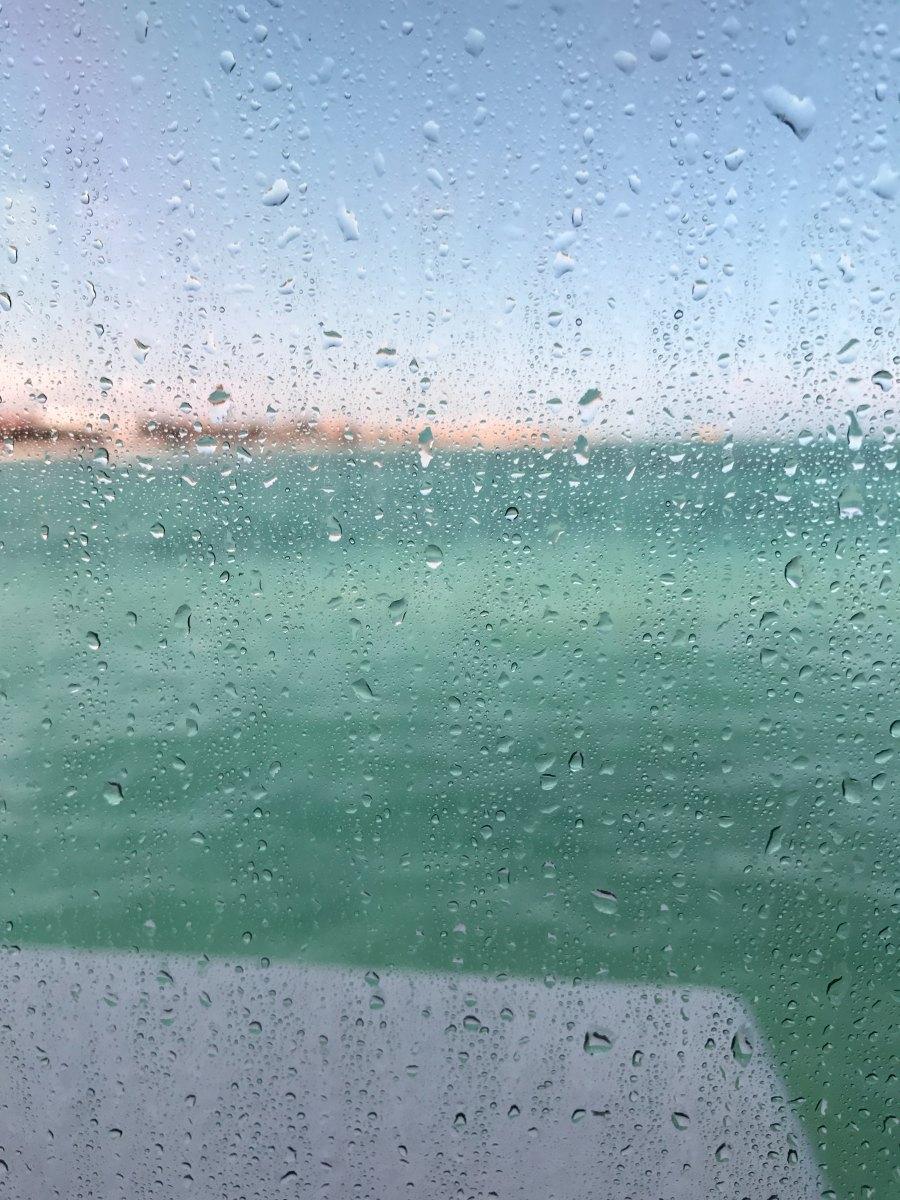 Piove. E' silenzio..., Fernando Pessoa
