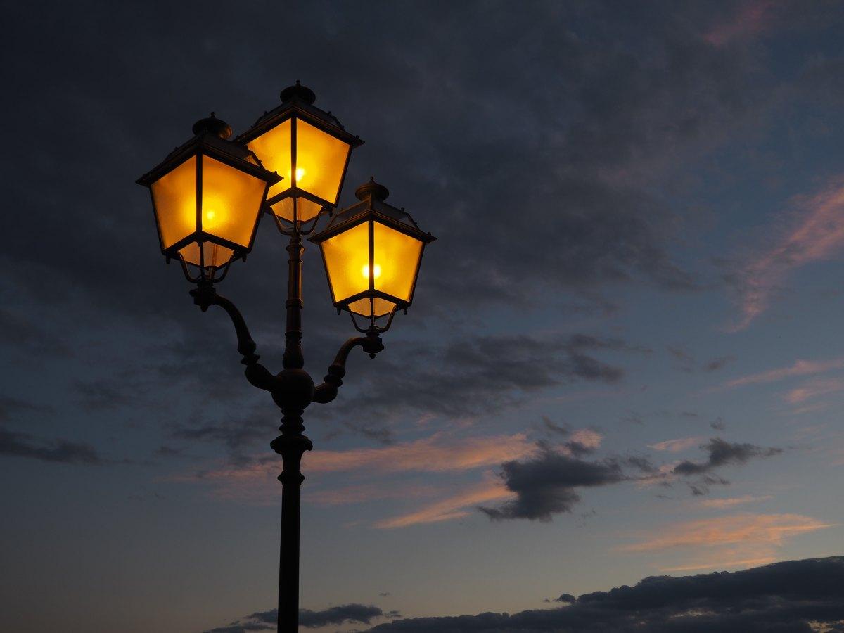 Buongiorno - Mezzanotte -, Emily Dickinson