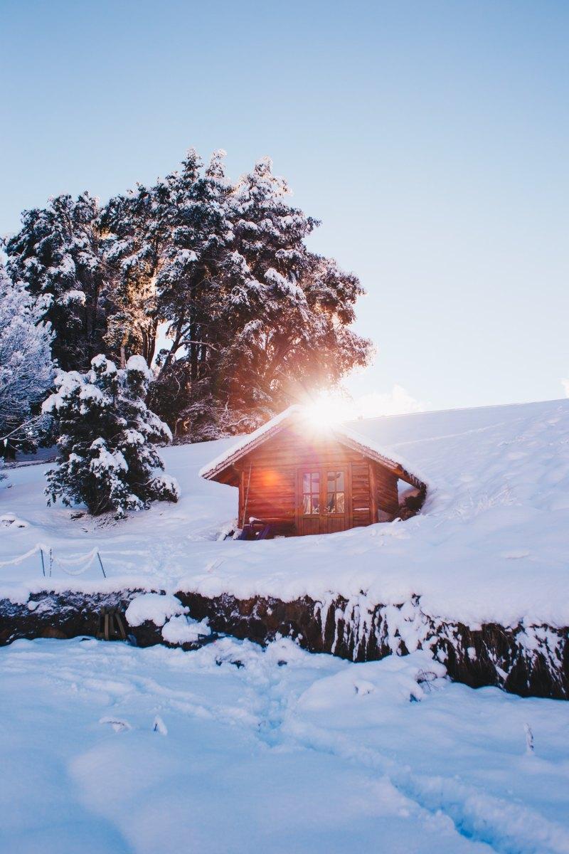 """Sintassi d'inverno, da """"A vela, in solitaria intorno alla stanza"""", Billy Collins"""