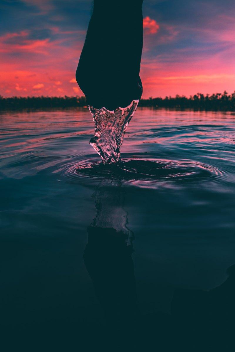 Trema in luce l'acqua, Fernando Pessoa
