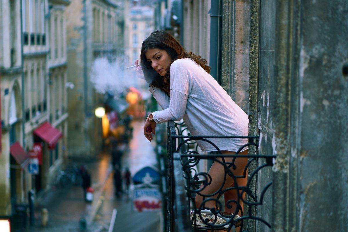"""Apro la sigaretta, da """"Ballate non pagate"""" (1995), Alda Merini"""