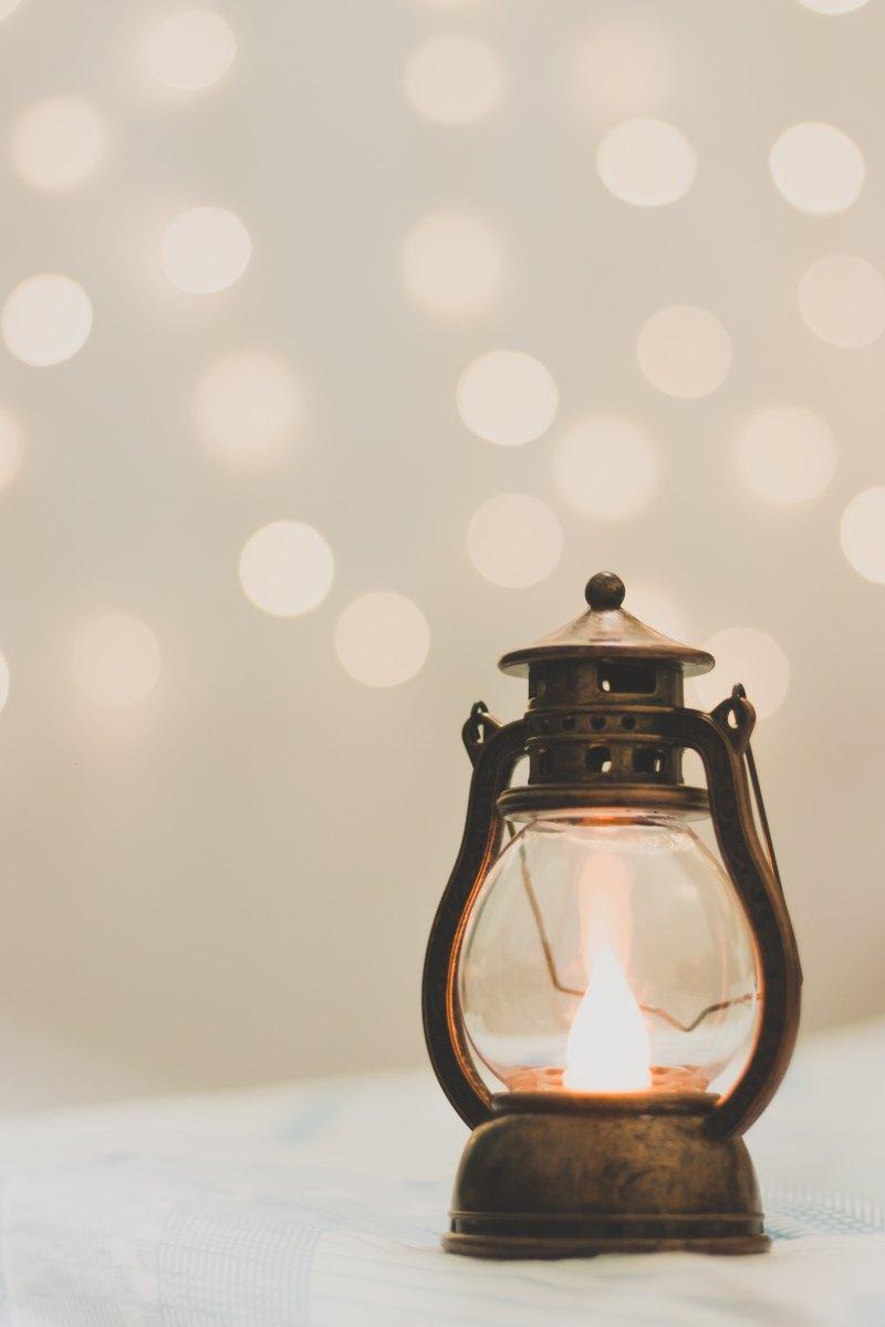 I poeti non accendono che lampade, Emily Dickinson